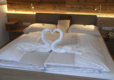 Bett im Zimmer